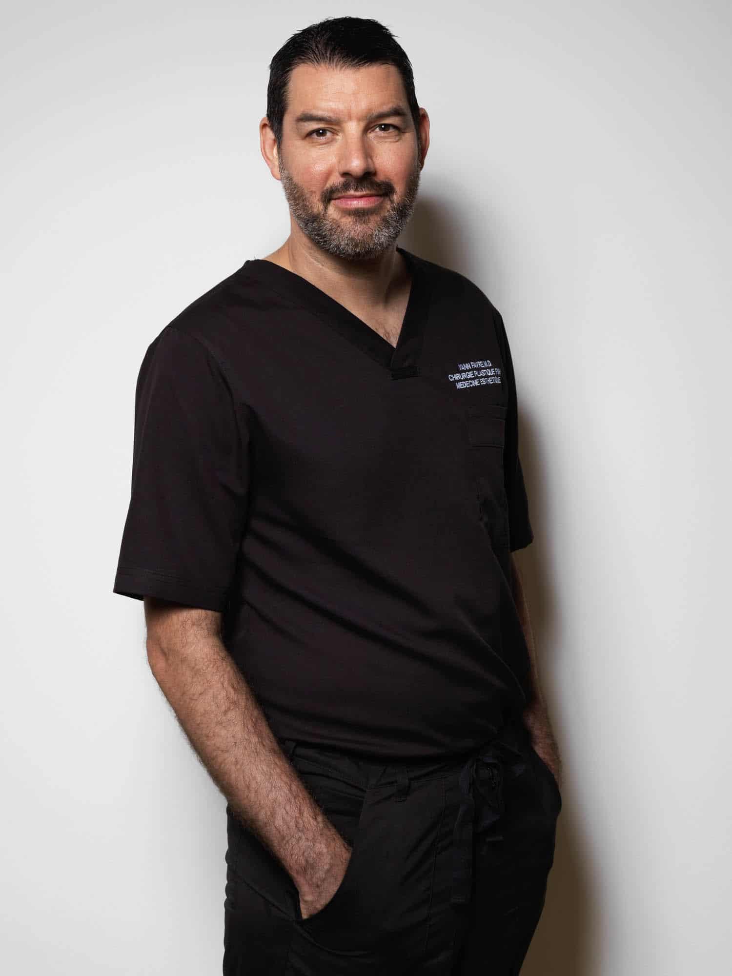 Dr. méd Yann Favre